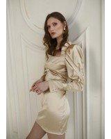 Платье-мини с обьемными рукавами