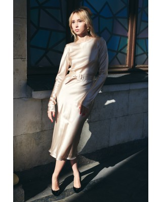 Silk beige dress with belt