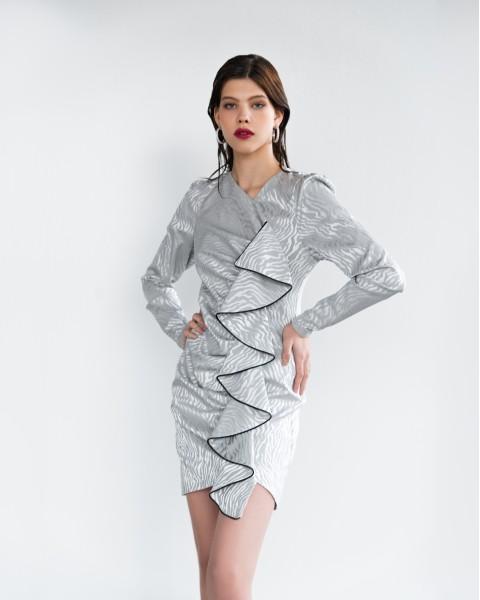 Сукня з воланом попереду зебра