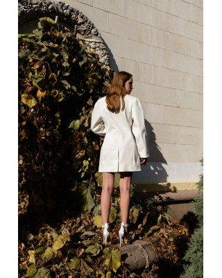 Платье-жакет белое с пуговицей