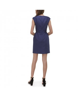 Fitted dress with deep neckline