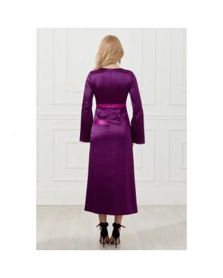 Сукня міді з розрізом, лампасами на рукавах і декоративним елементом у вигляді підв'язки