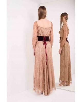 Мереживна сукня з відкритими плечима зі зйомним корсетним ременем з ручною вишивкою