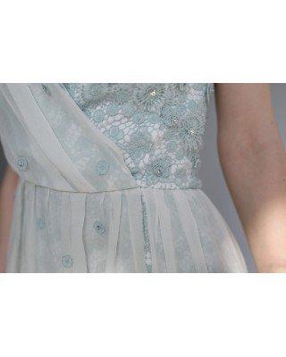 Приталена сукня зі шлейфом