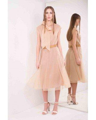 Приталенное платье А-силуэта