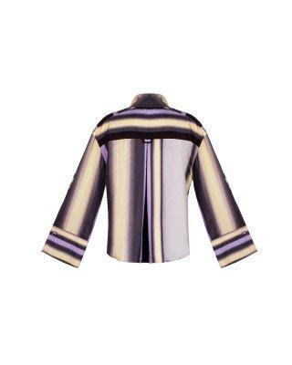 Блуза із шовку з широкими манжетами і декорованим принтом